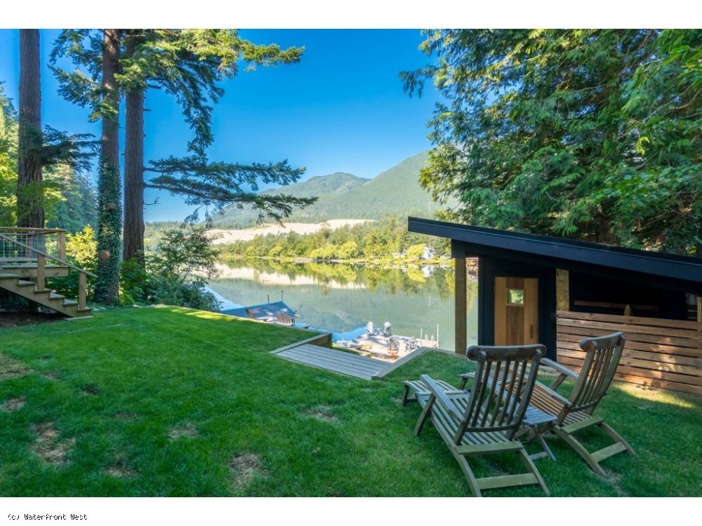 Beautiful Waterfront Lake Home w Dock and Boat House